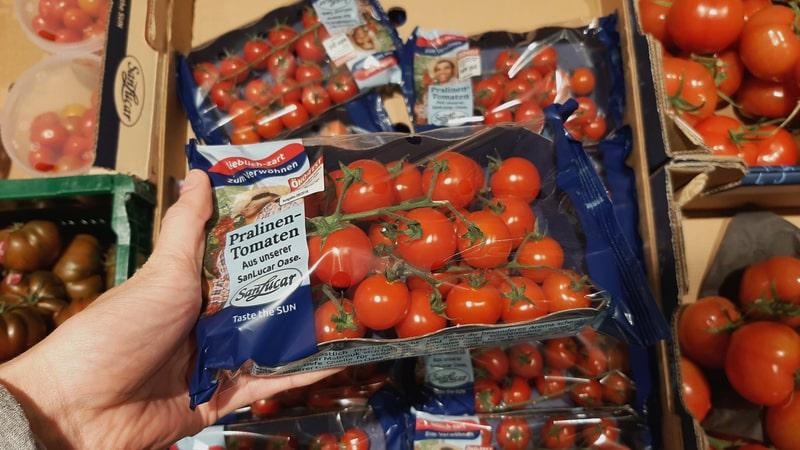 Kunststoffumhüllte Tomaten